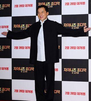 31784-jackie-chan-crear-su-propio-grupo-k-pop-dolo-debutar-en-corea-y-china