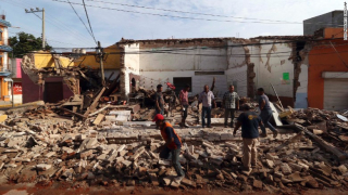 170908125226-21-mexico-earthquake-0908-exlarge-169